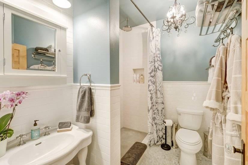 Walk-in rain shower, wall shower & handheld, accommodates 2