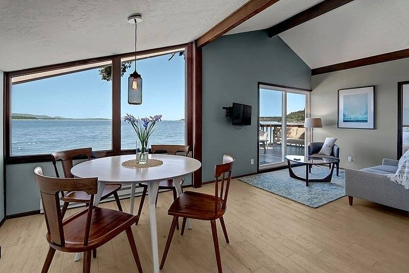 Furnished Beachfront Apartment