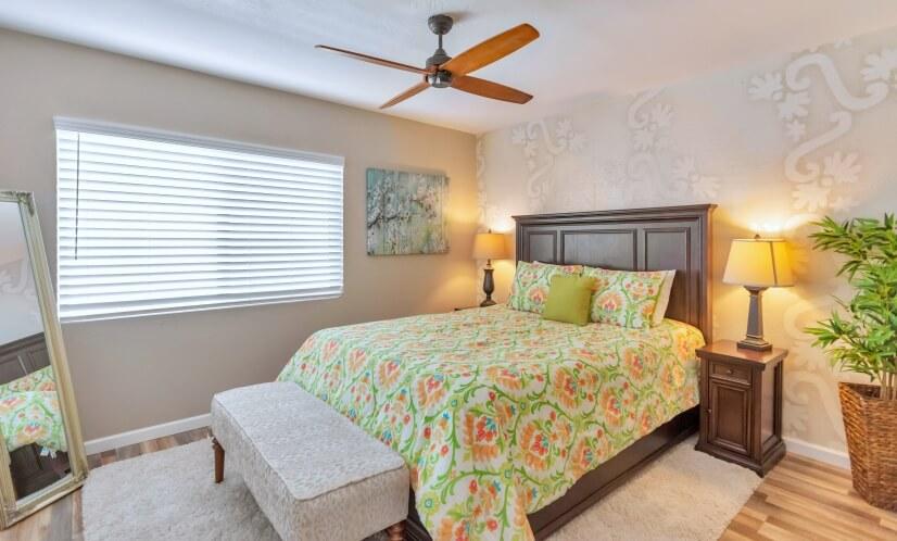 Second Bedroom. Queen-size Bed