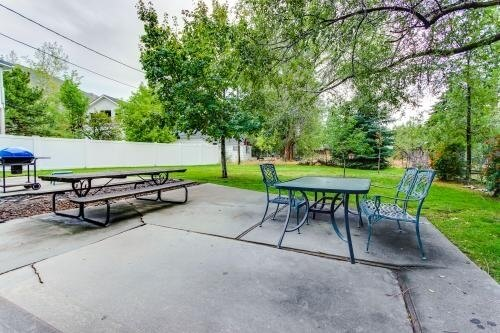 image 15 furnished 2 bedroom Townhouse for rent in Cottonwood Heights, Salt Lake County