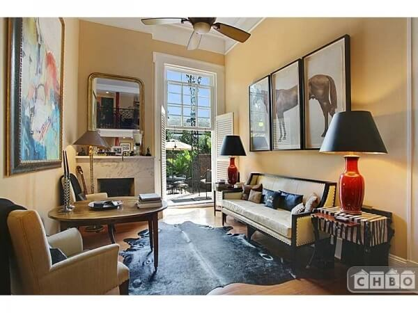French Quarter Condo & Private Courtyard