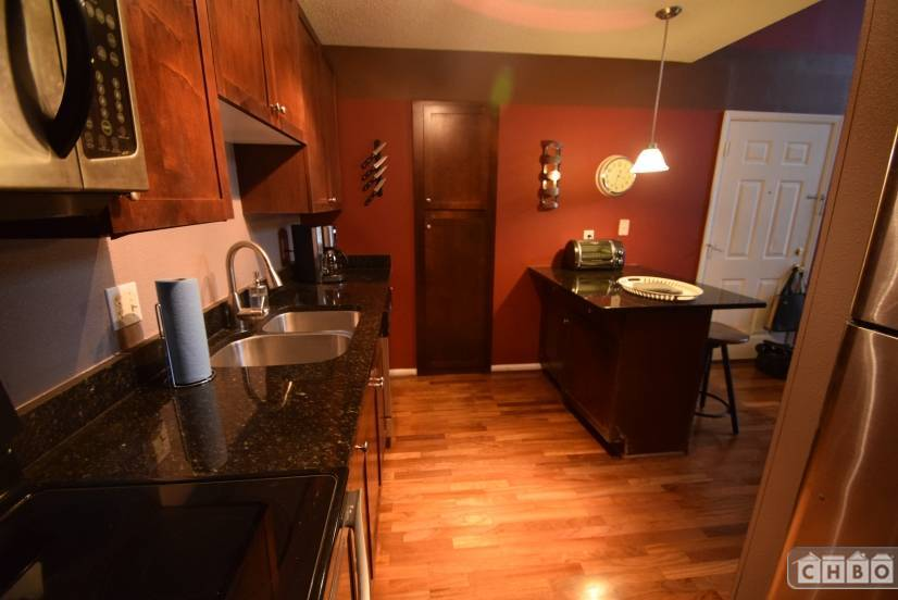 image 2 furnished 2 bedroom Townhouse for rent in Buckhead, Fulton County