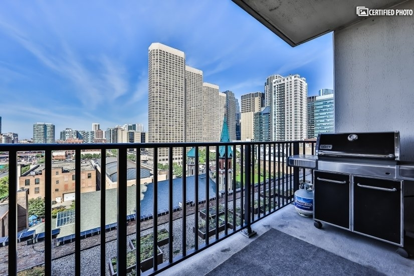 image 1 furnished 1 bedroom Townhouse for rent in West Loop, Downtown