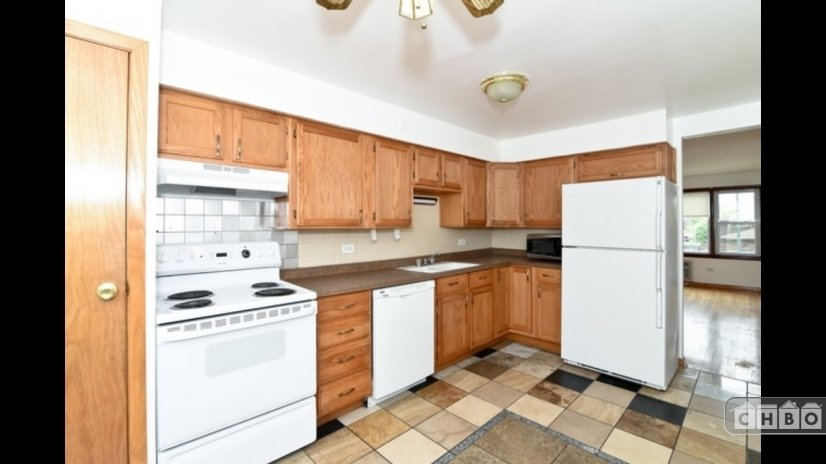 Large Kitchen with Pantry