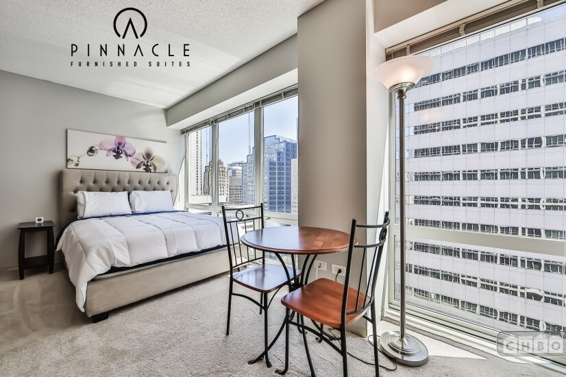 $3200 0 Loop Downtown, Chicago