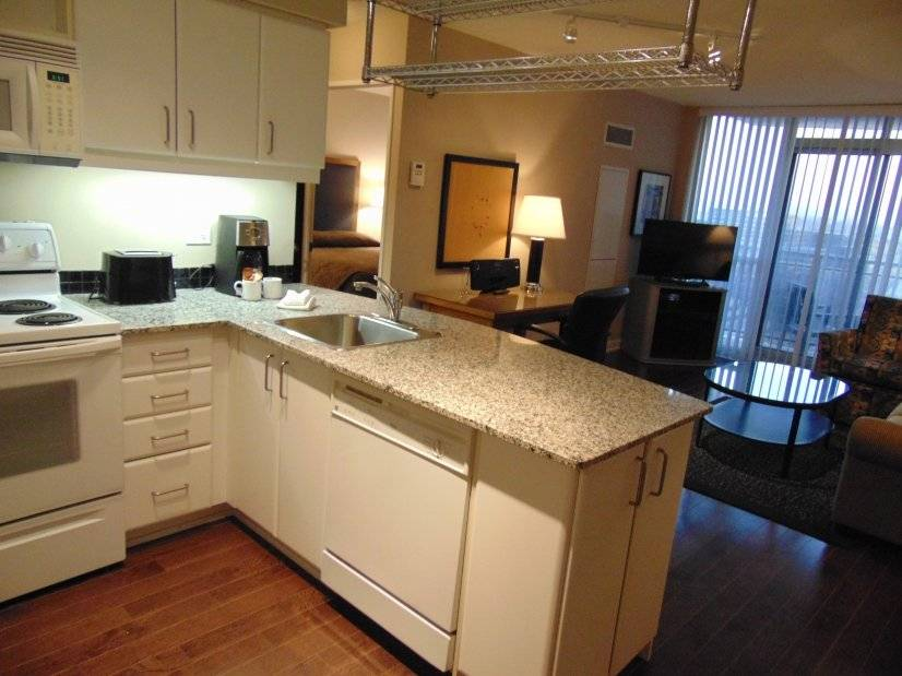 Fully furnished 2 br condo at north york