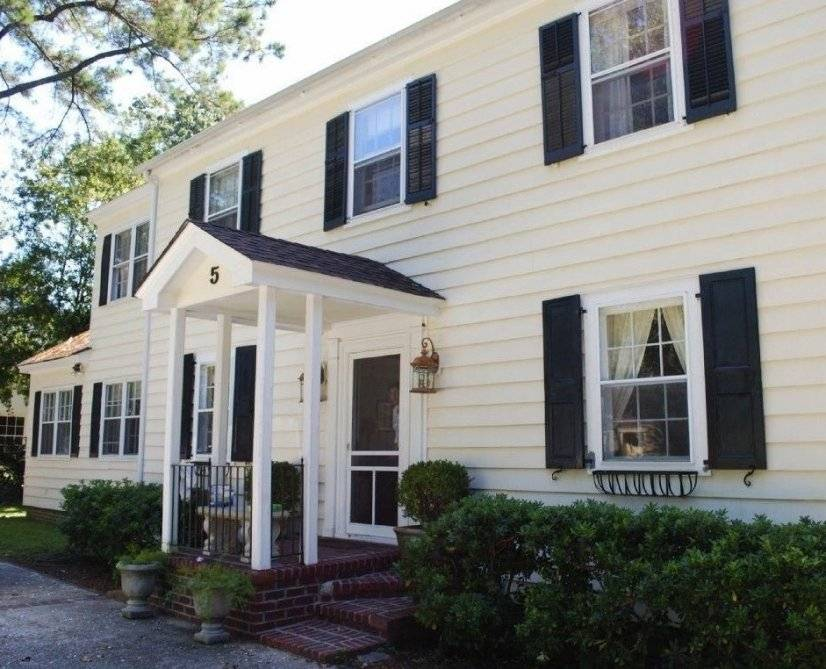 Furnished 4 bedroom home in Charleston