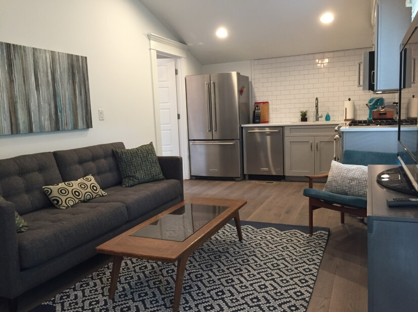 Downtown Decatur Furnished/Full Kitchen