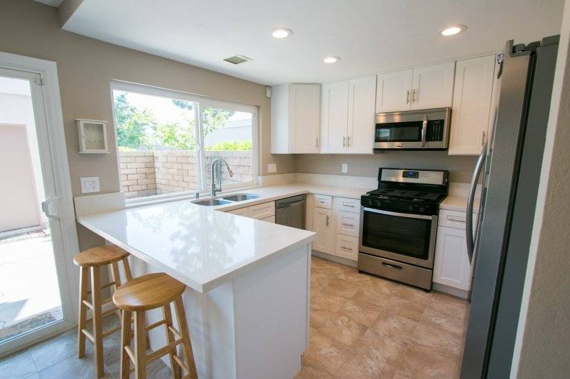 image 5 furnished 4 bedroom Townhouse for rent in Irvine, Orange County
