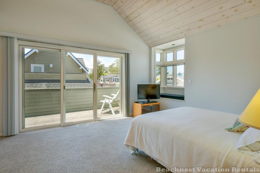 image 14 furnished 2 bedroom House for rent in Santa Cruz, Monterey Bay