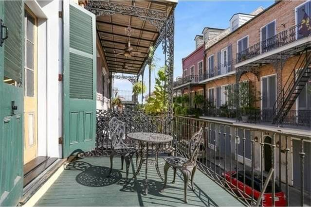 Private French Quarter Balcony for drinks, dinner or loungin