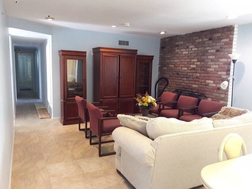 Furnished Home in Heart of Northridge