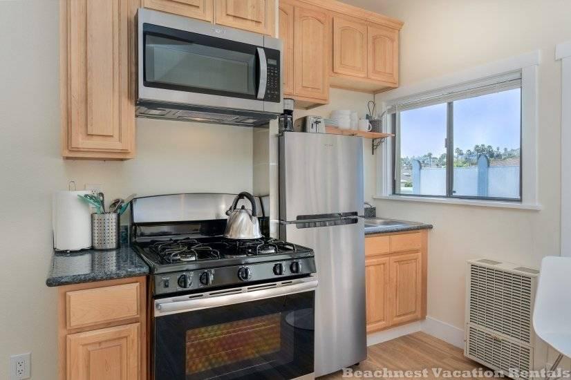 image 2 furnished Studio bedroom Apartment for rent in Santa Cruz, Monterey Bay