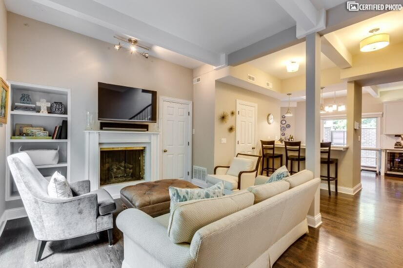 East Lincoln Park Townhome - 4bd/3.5ba