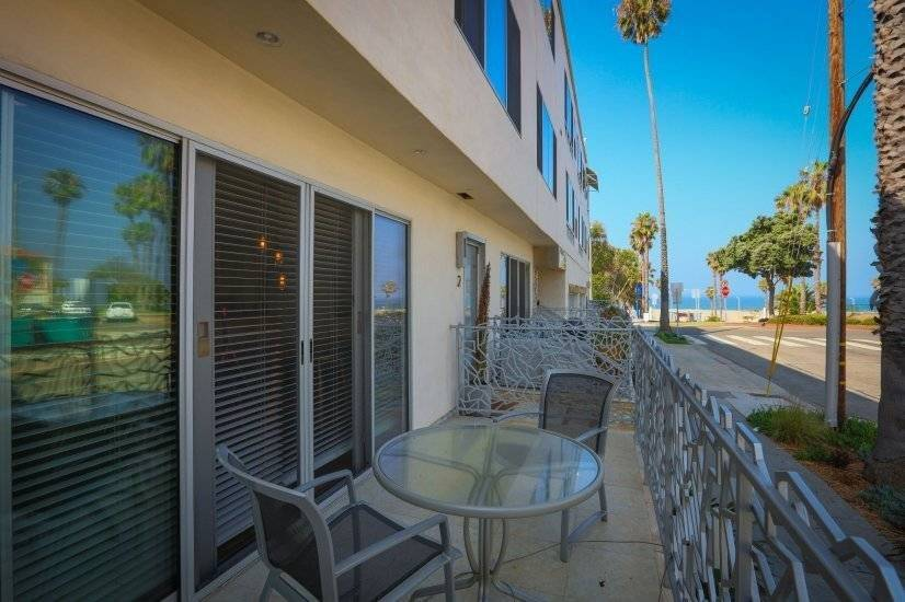 $5500 1 Santa Monica West Los Angeles, Los Angeles