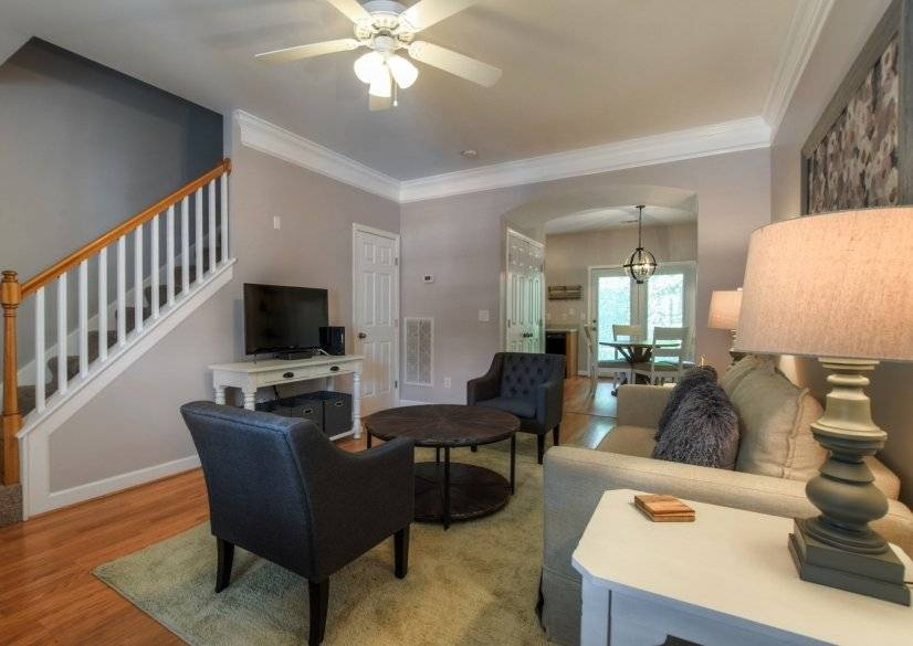 $2000 2 Nashville Central, Nashville Area