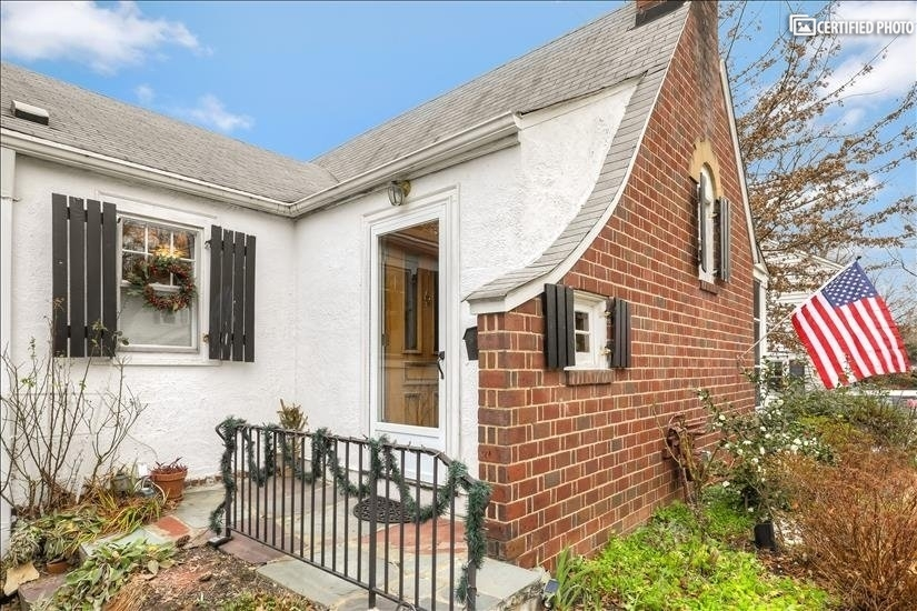 image 20 furnished 1 bedroom House for rent in Arlington, DC Metro