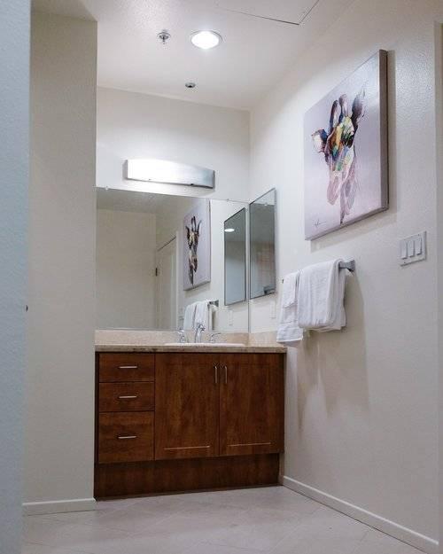 Bathroom 1 of 2