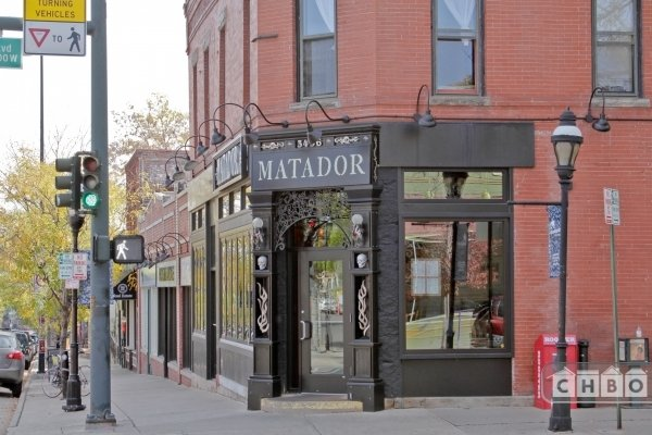 Local shops and restaurants within walking distance