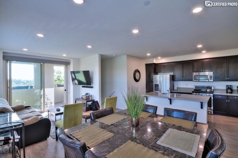 Upgraded 2 Bed 2.5 Bath in Irvine, CA