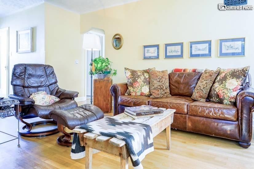 image 1 furnished 1 bedroom House for rent in University, Denver South