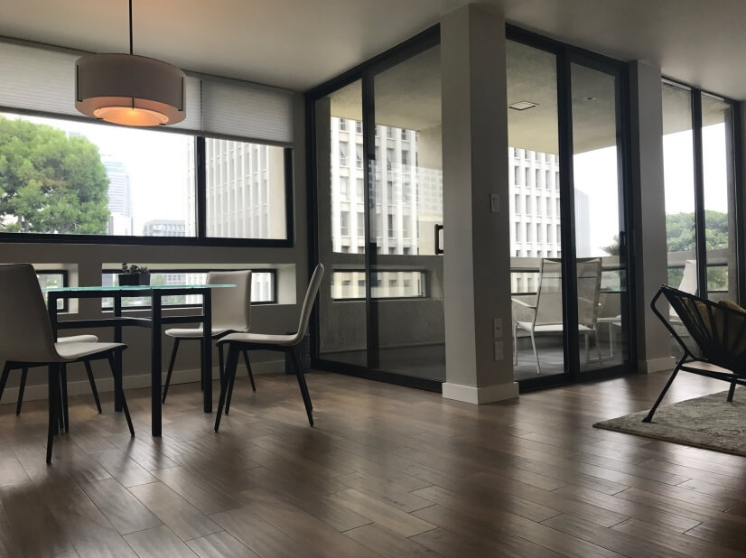 Spacious One Bedroom Condo, DTLA