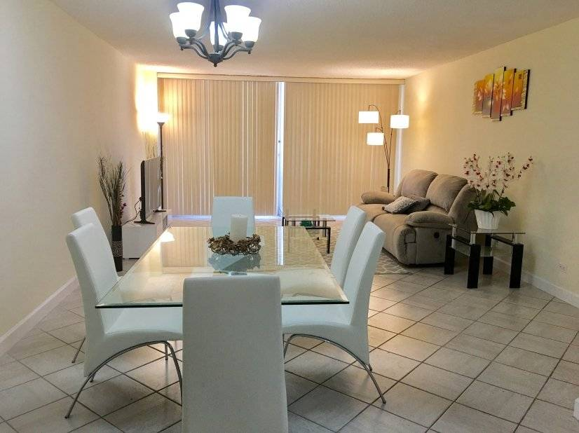 image 1 furnished 2 bedroom Townhouse for rent in Miami Beach, Miami Area