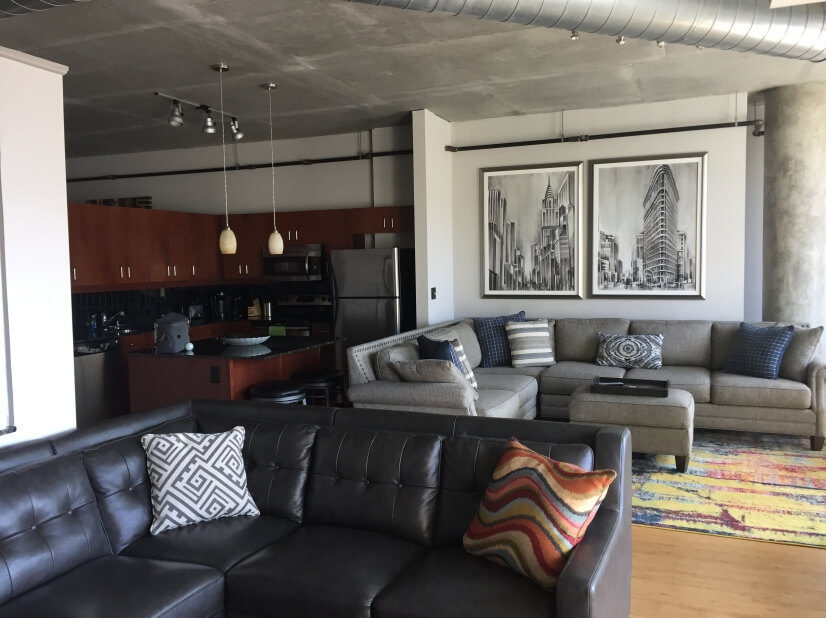 Luxury 2 Bedroom Loft Near Epicenter
