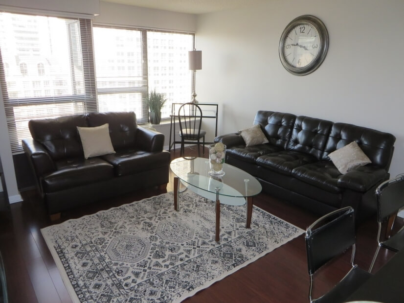 Exclusive Suites 1 BED 30 E. Huron 2708