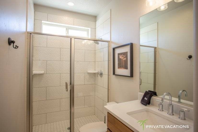 image 15 furnished 5 bedroom Townhouse for rent in Washingston, Washington (St. George)