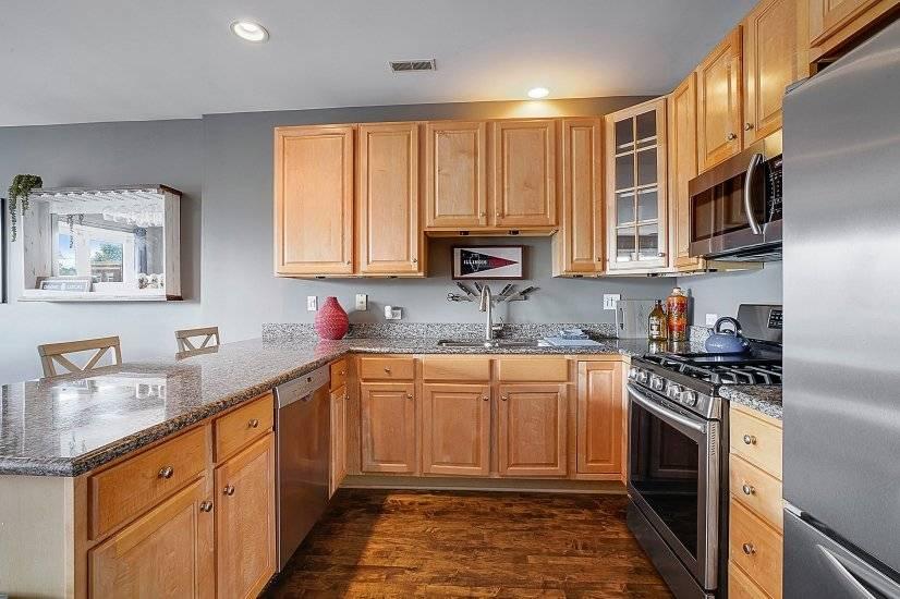 Kitchen - Stainless Steel Appliances - Unit 3