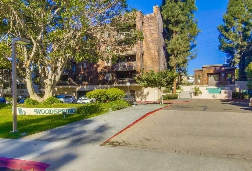image 1 furnished 2 bedroom Townhouse for rent in Morena, Western San Diego