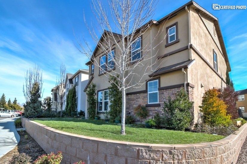 $3900 4 Roseville, Sacramento - Stockton