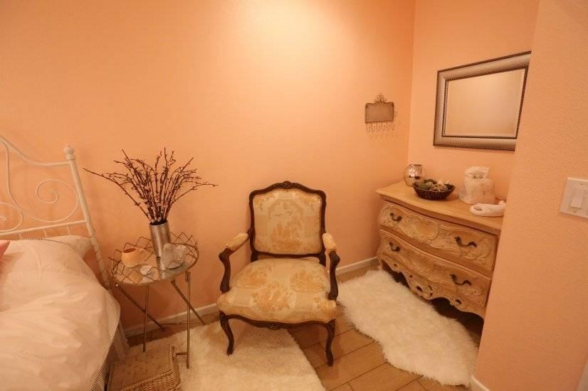 Coral bedroom 1