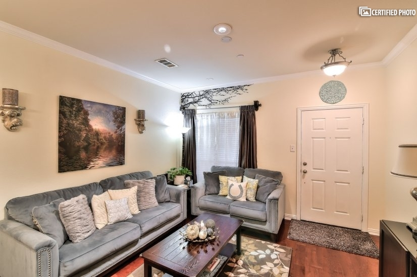 Fully Furnished Executive Townhome