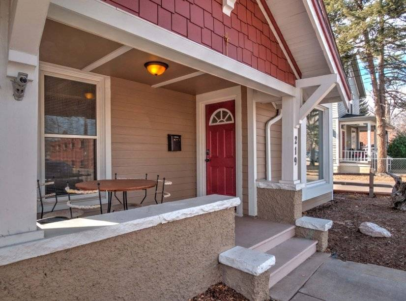 $3300 3 Divine Redeemer Colorado Springs, South Central Colorado