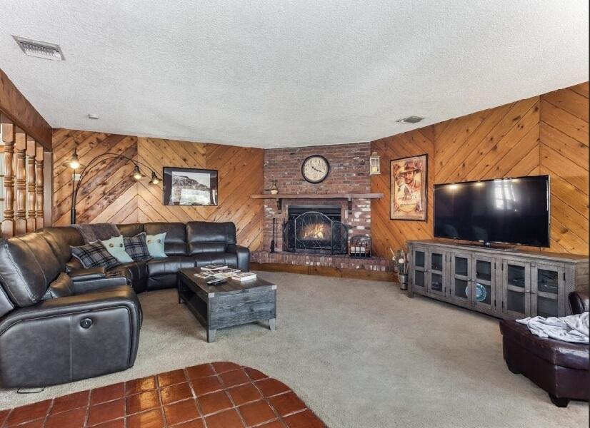 $8000 3 Burbank San Fernando Valley, Los Angeles