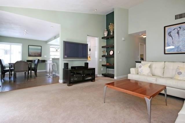 Living room, plasma TV, Satellite, DVD, large private patio