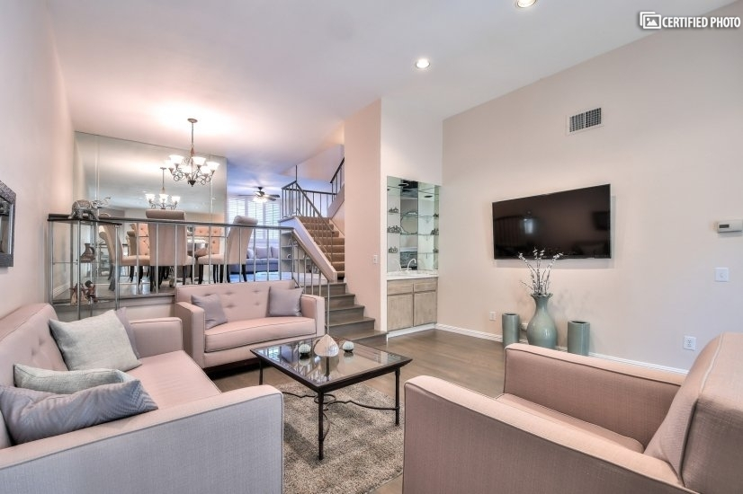 Fully furnished corporate rental home in Sherman Oaks CA