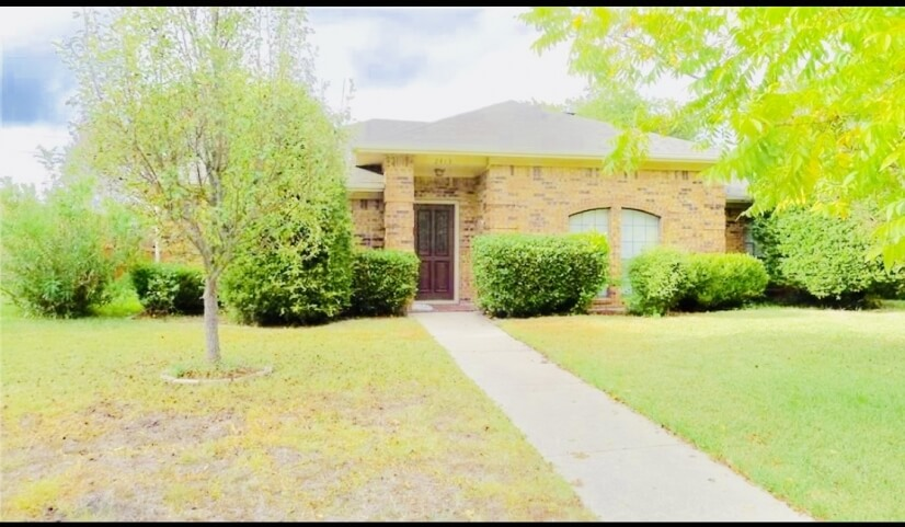 Charming 4/2 UPDATED Brick Home -Plano