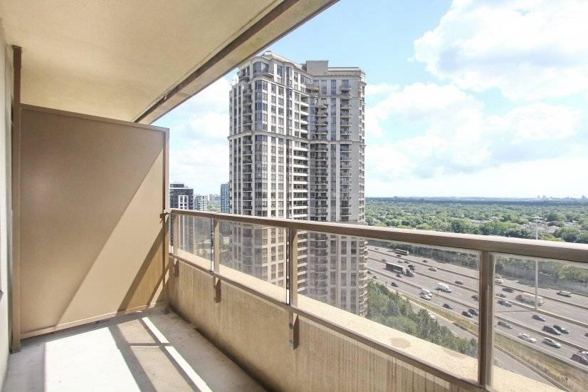Balcony View, Street View