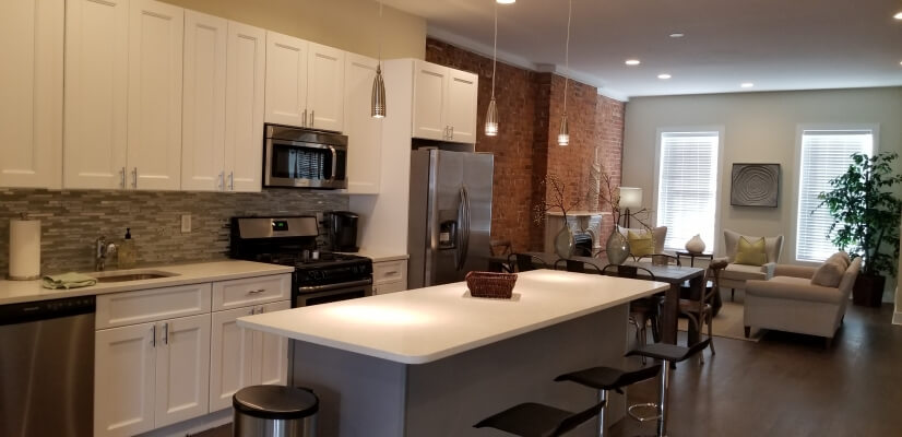 Luxury furnished condo near Newark Penn