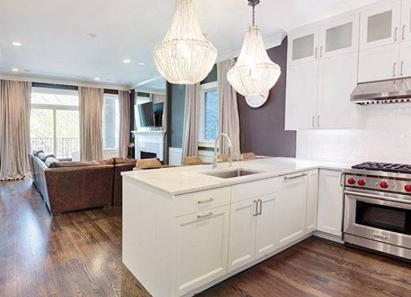 $4200 2 Lincoln Park North Side, Chicago