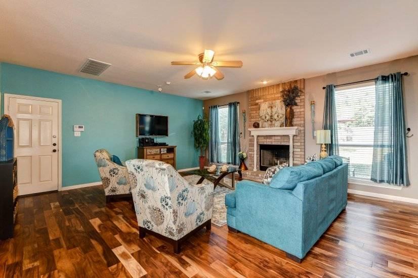 $3200 3 Grey Forest NW San Antonio, San Antonio