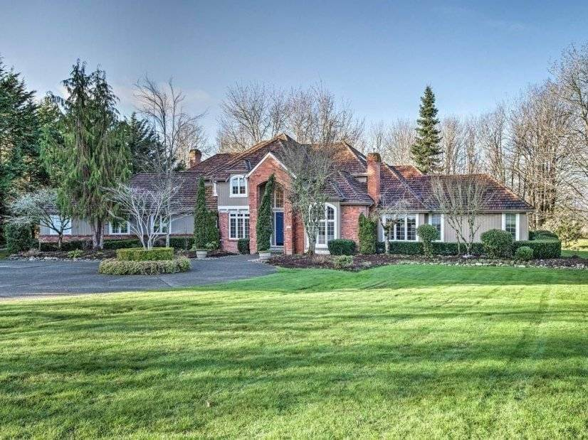 Furnished Executive Home in Redmond
