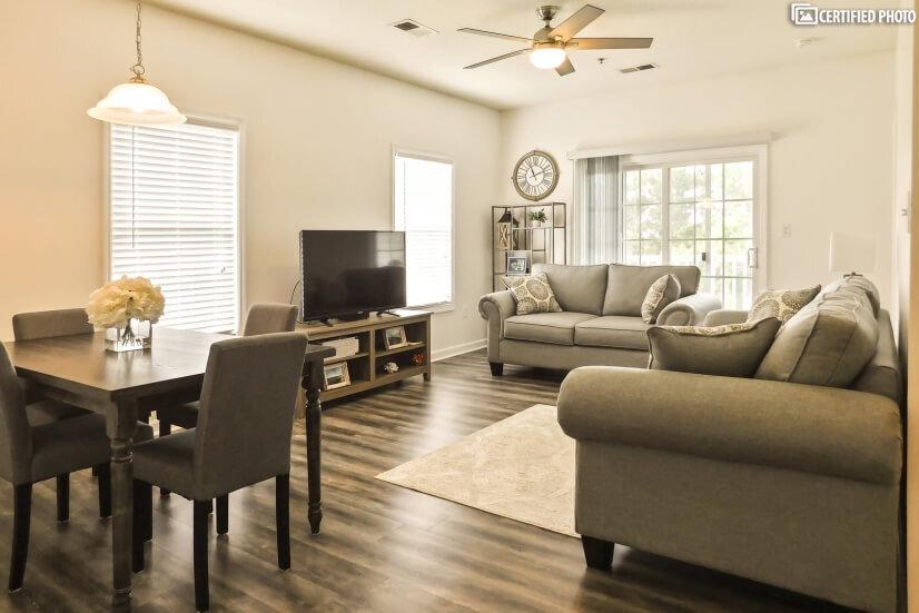 Living room with a Smart 4K TV, Netflix.