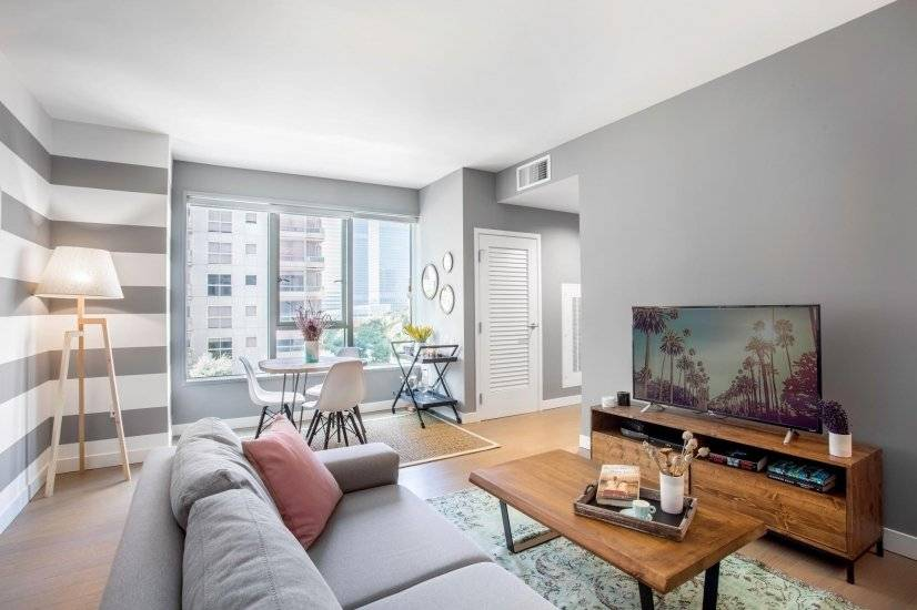 1BR, 3min away from The Broad Museum