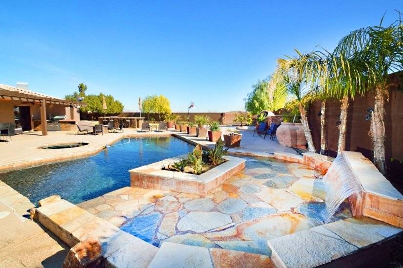 Backyard Private Oasis - Pool with Hot Tub and Waterfall