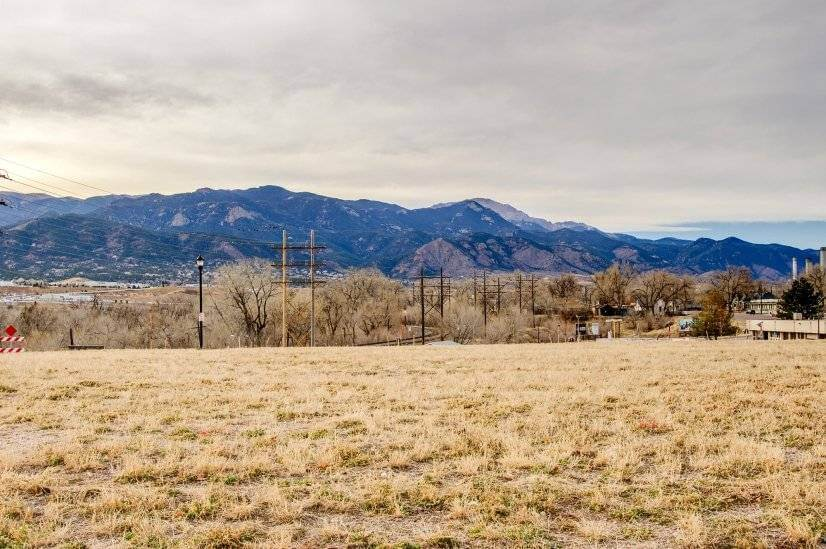 $1700 1 Divine Redeemer Colorado Springs, South Central Colorado