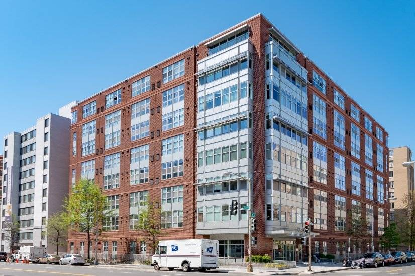 Logan Circle Corp Rental - Patio/Parking